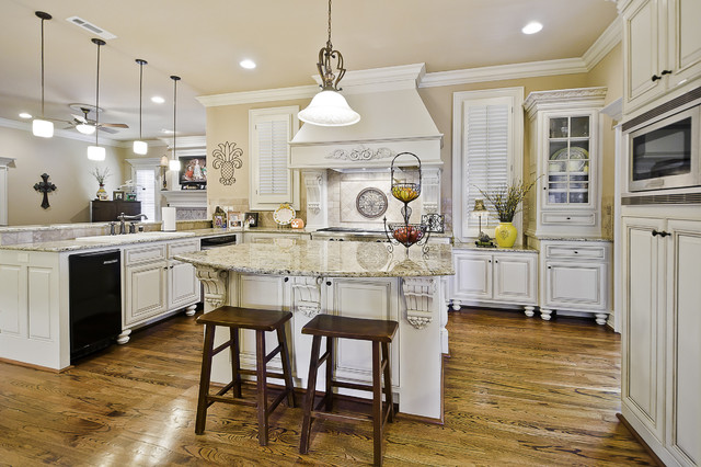 Kitchen in clear creek home traditional kitchen for Little rock custom home builders