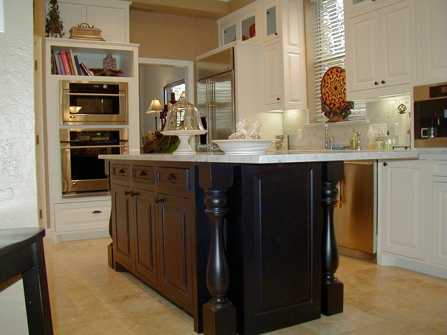 Kitchen island traditional kitchen dallas by for Timberwood custom kitchens