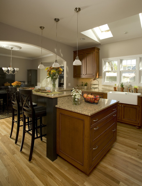 Kitchen Island traditional-kitchen