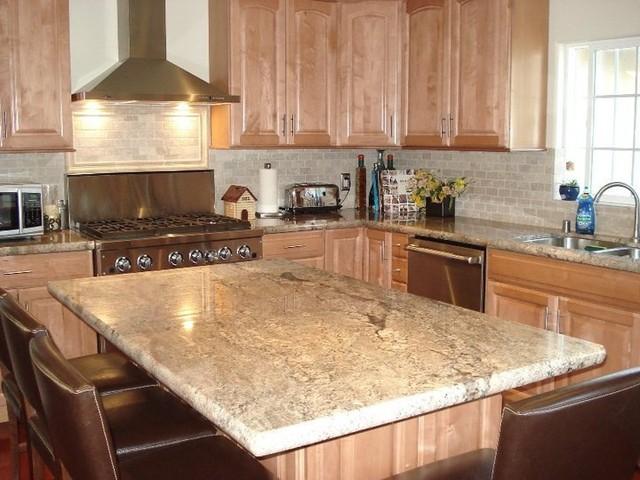 Kitchen Island.jpg traditional-kitchen