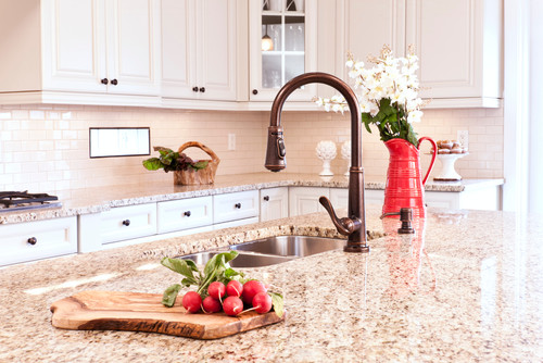 What color are the cabinets? Thoughts on pure white cabinetry with this granite u0026 bronze hardware? & What color are the cabinets? Thoughts on pure white cabinetry with ...