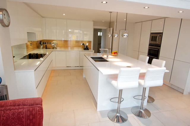 Kitchen island with seating area - Modern - Kitchen - London ...