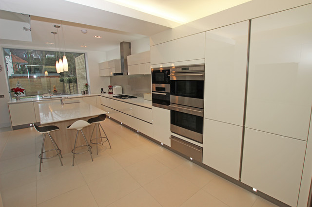 Kitchen island with seating modern kitchen london for Modern kitchen london