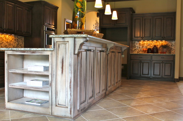 Kitchen Islands Traditional Kitchen Oklahoma City