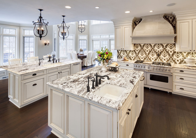 Eat In Kitchen Traditional Idea Chicago With White Liances