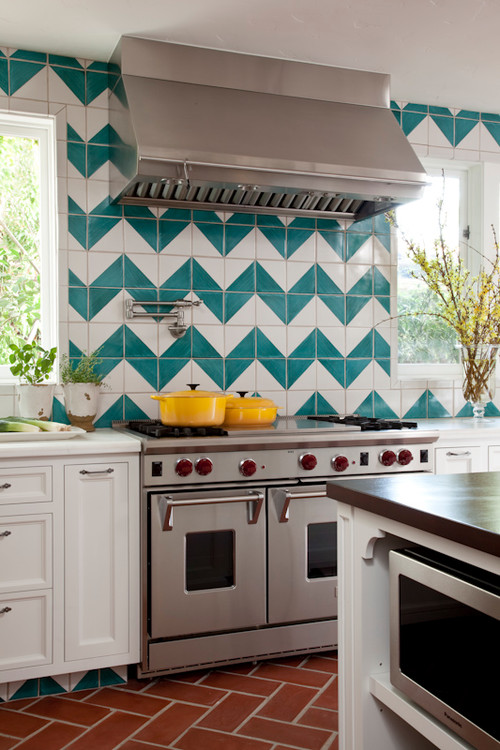 5 Beautiful Kitchens to Inspire Your Home Remodeling Project on turquoise wall with oak cabinets kitchen, turquoise shabby chic kitchen cabinets, kitchen paint colors with white cabinets, blue subway tiles kitchen backsplash white cabinets, kitchens with light wood cabinets, open kitchen with white cabinets, turquoise blue walls dining room,