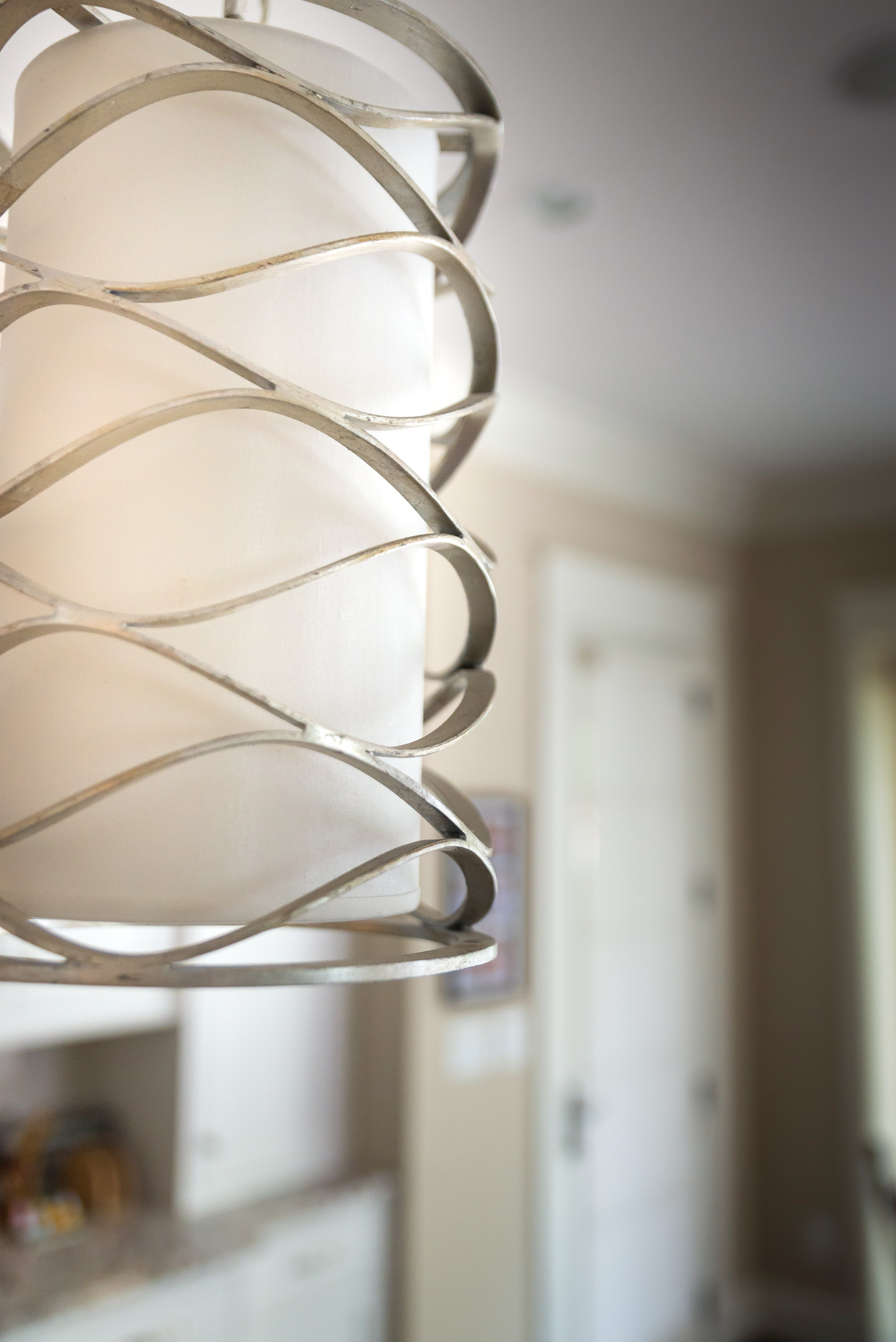 Kitchen Lighting Sets the Stage