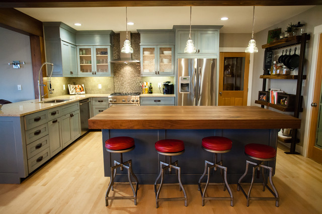 Kitchen Living Room Remodel With Open Floor Plan Farmhouse Kitchen Seat
