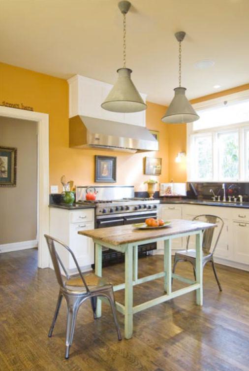 Example of a tuscan kitchen design in Santa Barbara