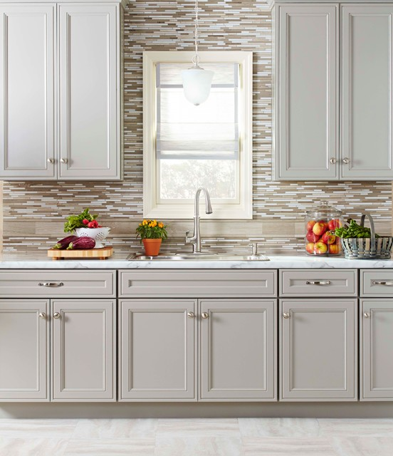 Transitional Kitchen Cabinets: By Lowe's Home Improvement