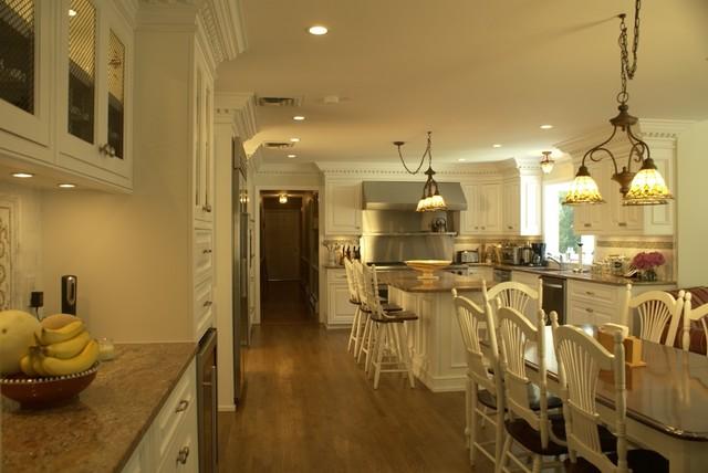 White Traditional Kitchen traditional-kitchen
