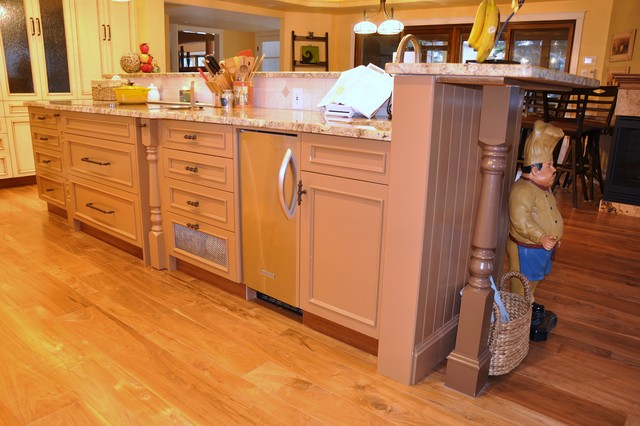 Boquist Residence traditional-kitchen