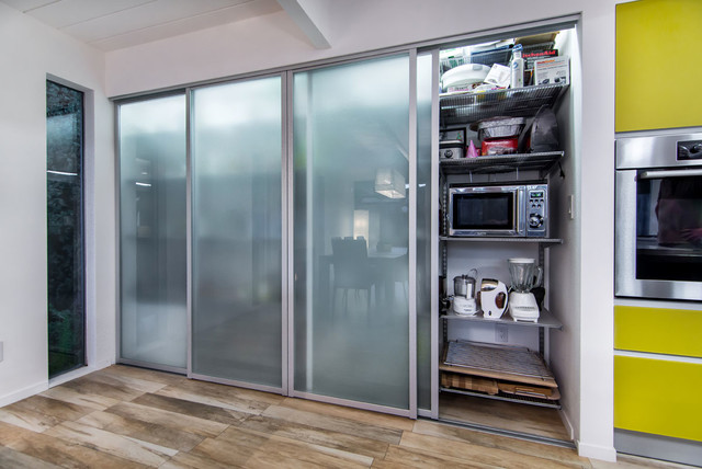 Kitchen pantry for Sliding pantry doors