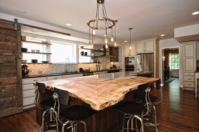 Inspiration For A Rustic L Shaped Dark Wood Floor Kitchen Remodel In Charlotte With Beige