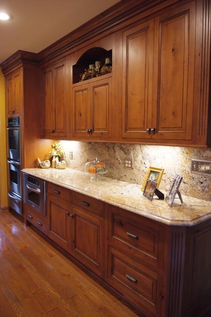 Kitchen portfolio traditional kitchen huntington for 1 kitchen huntington wv