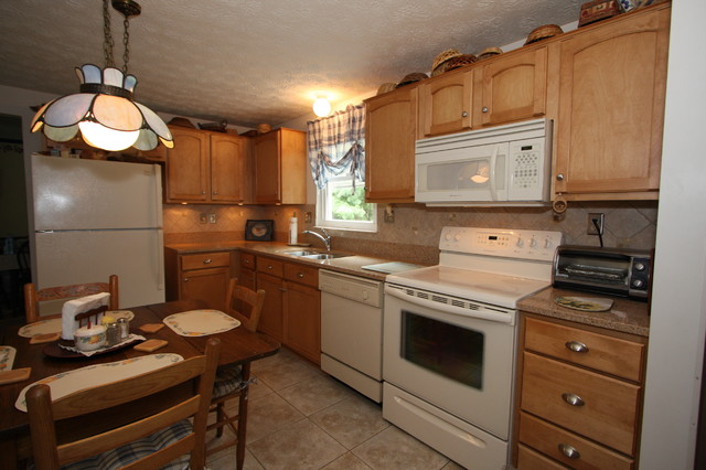 Kitchen Reface - Traditional - Kitchen - DC Metro - by Kitchen Magic Refacers, Inc.