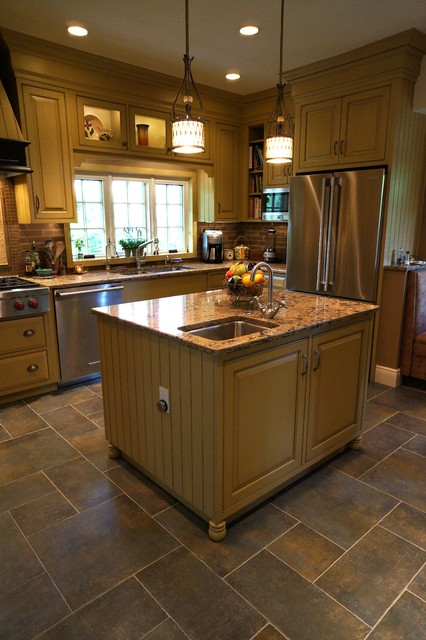 Kitchen remodel a victorian home for Traditional victorian kitchen designs