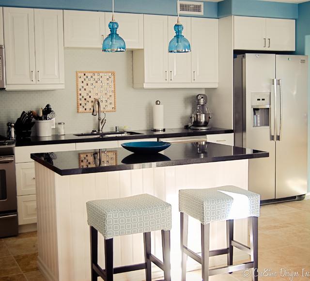Kitchen   Traditional Kitchen Idea In San Diego
