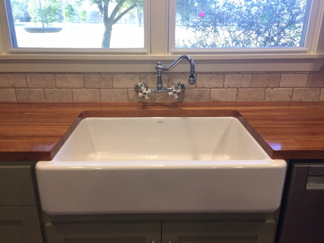 Kitchen remodel farmhouse sink campagne cuisine - Kitchen sinks austin tx ...