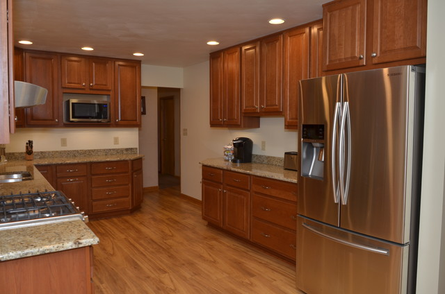 ... Traditional - Kitchen - indianapolis - by Bradford Builders, Inc