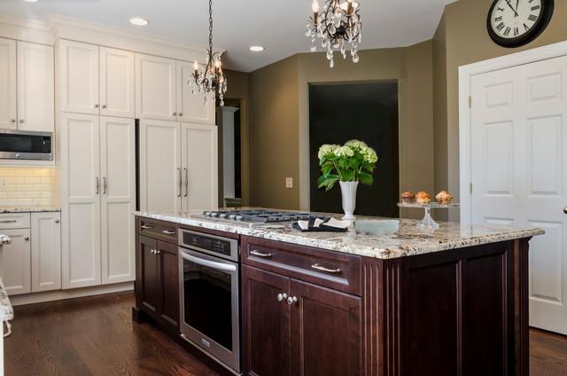 Kitchen remodel traditional kitchen for Kitchen design 14x14