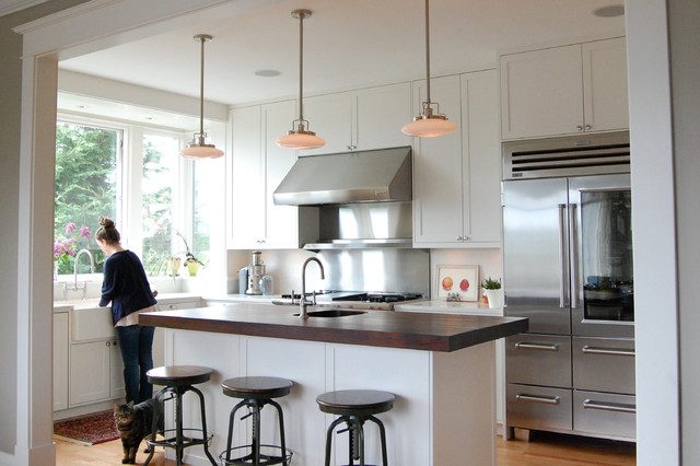 Inspiration For A Timeless L Shaped Kitchen Remodel In Seattle With A  Farmhouse Sink,