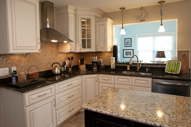 Http Www Houzz Com Photos 7054198 Kitchen Remodel In Newport News Virginia Traditional Kitchen Other Metro