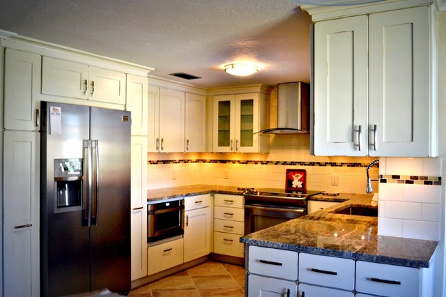 Kitchen Remodel - KraftMaid beach-style-kitchen