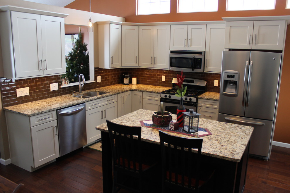 Kitchen Remodel Medina Oh 8 Waypoint Cabinets Traditional Kitchen Cleveland By Cabinet S Top