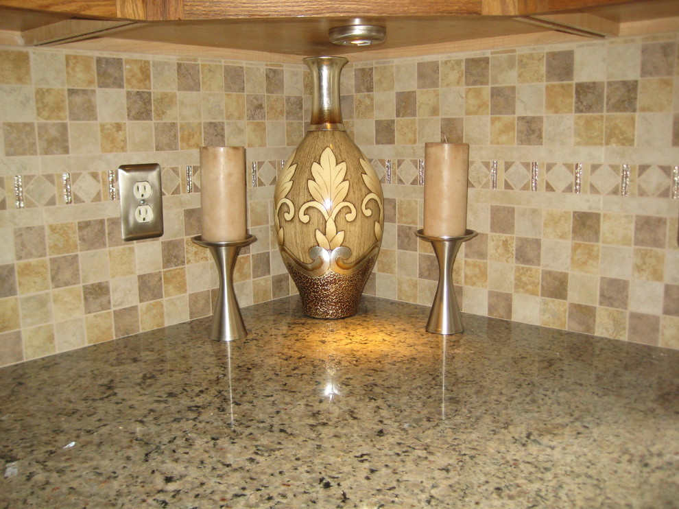 Example of a classic kitchen design in Providence