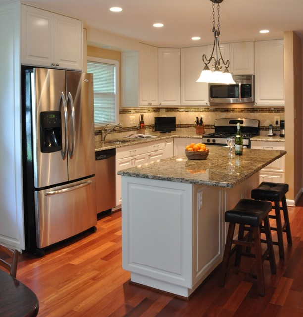 Kitchen Remodel, white cabinets, tile backsplash, undercabinet lighting, island - Traditional ...