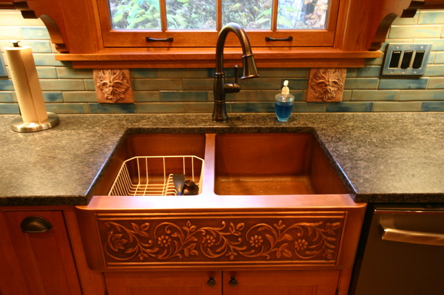 Kitchen remodel with extreme detail for Case in stile nantucket