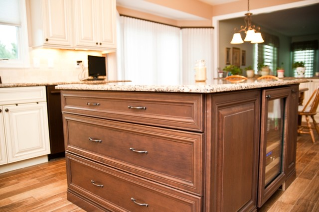 Kitchen remodel with oil rubbed bronze appliances for Traditional kitchen appliances