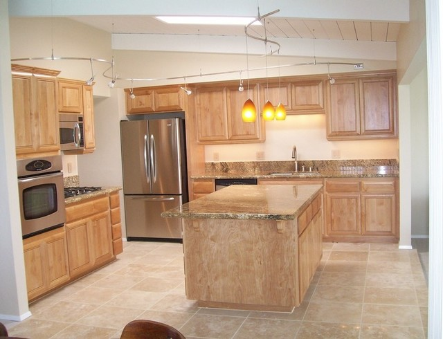 Attractive Kitchen Remodel With Travertine Tile Floors Traditional Kitchen