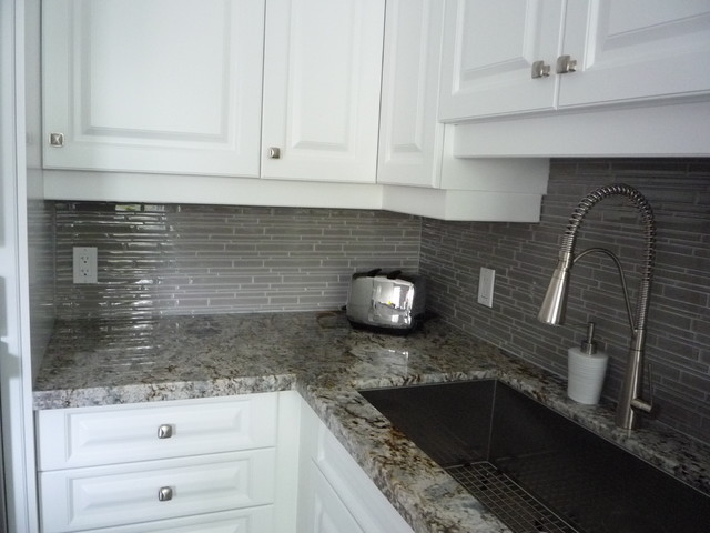Kitchen Remodeling: Glass Backsplash & Granite Counter; http://www ...