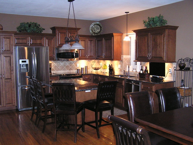 Kitchen Remodeling With Cabinet Refacing Traditional-kitchen