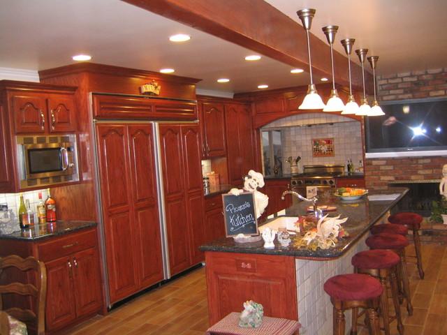 Kitchen - Reno traditional-kitchen