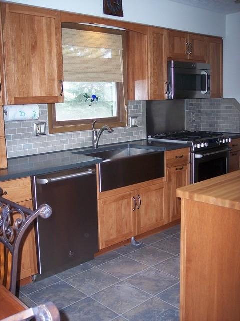 Kitchen renovation brunswick oh 1 contemporaneo for 1 kitchen cleveland ohio