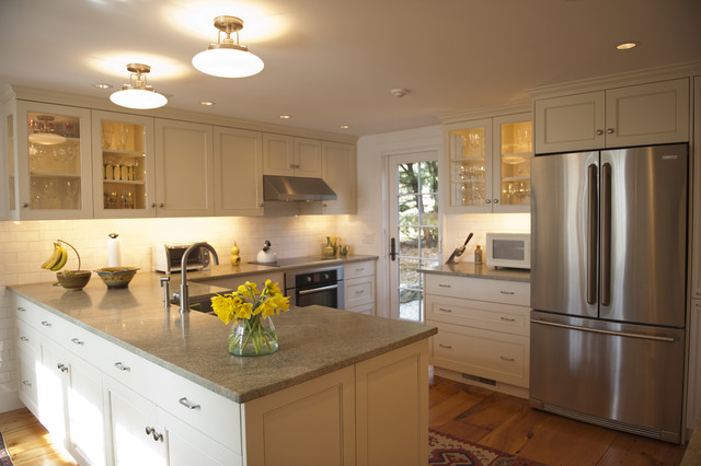 Nautilus Architects traditional kitchen