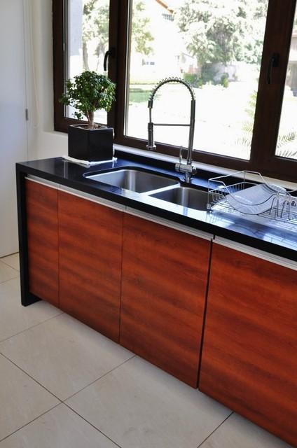 Kitchen Retorno del Grillo modern-kitchen