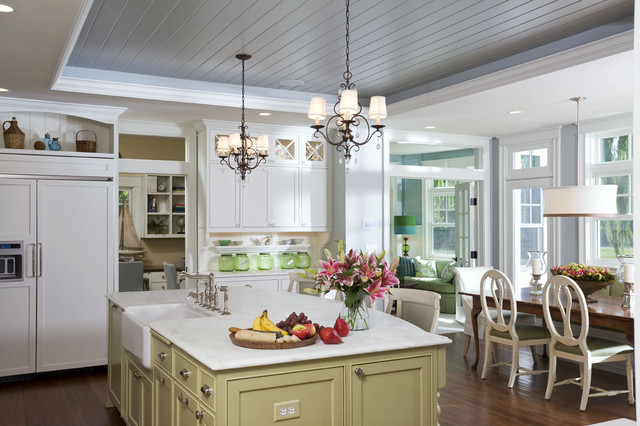 East Coast Style traditional kitchen