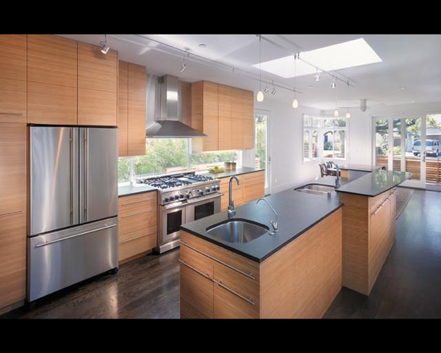 Kitchen stove kitchen stove near window for Window under kitchen cabinets