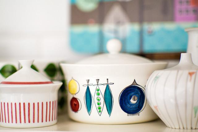 Kitchen Shelves 1 midcentury-kitchen