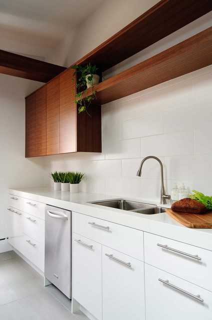 Latches For Flat Panel Kitchen Cabinets, What Are The Best Handles For Kitchen Cabinets