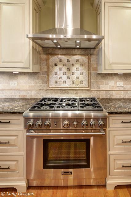 elegant kitchen photo in chicago - Kitchen Stove