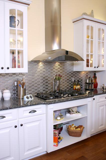 Superbe Kitchen Stove Area Traditional Kitchen