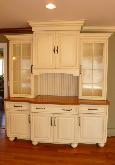 Kitchen that feels just right traditional-kitchen