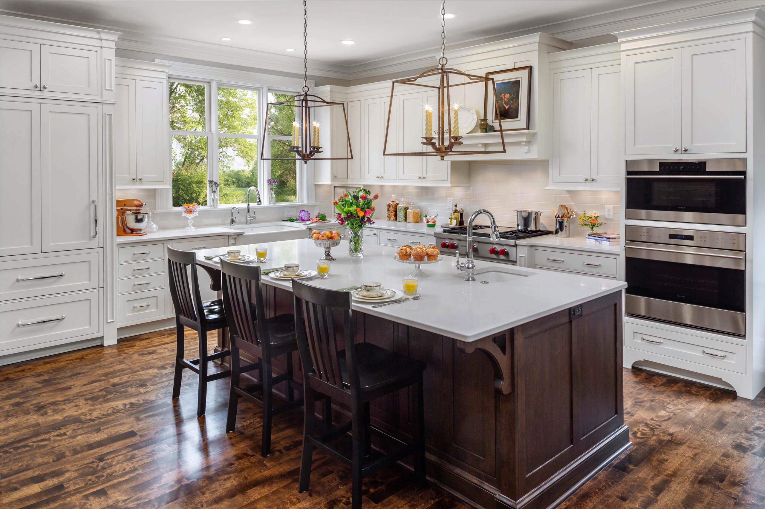 75 Beautiful Traditional Kitchen With An Island Pictures Ideas November 2020 Houzz