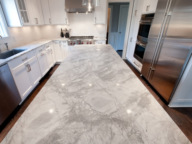 Example Of A Transitional L Shaped Eat In Kitchen Design New York With
