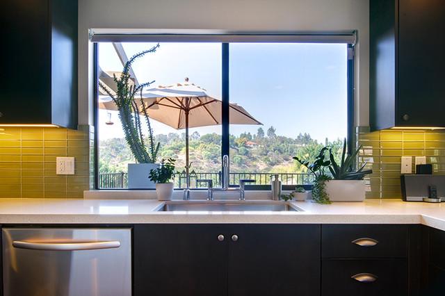 Kitchen - Modern kitchen windows ...
